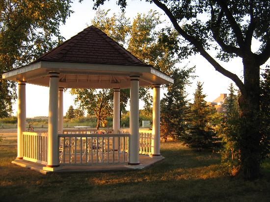 Wakamow Heights Bed and Breakfast: The Gazebo