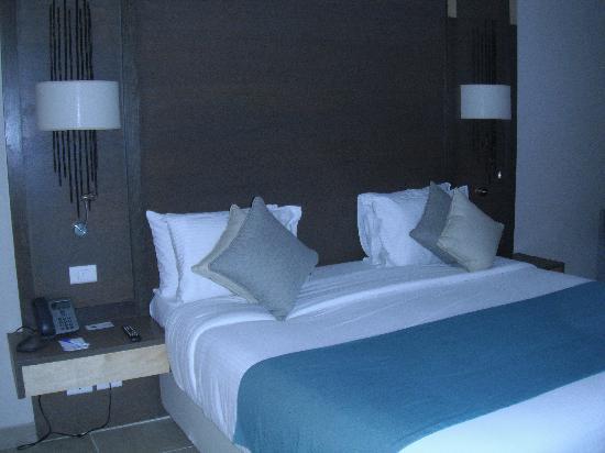 Coral Sea Aqua Club Resort: room