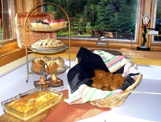 Elk Ridge Bed & Breakfast: Good food to start your day