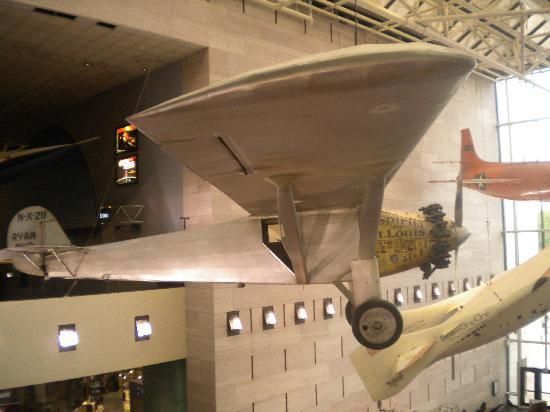 พิพิธภัณฑ์อากาศและอวกาศแห่งชาติ: Space shuttle entry pod