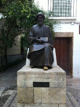 NH Collection Amistad Cordoba: Statue of Maimonides