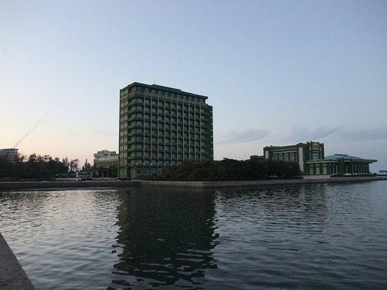 Songdowon Tourist Hotel : Sogdowon Hotel - Wonsan oct. 2010