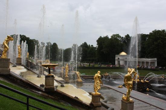 พระราชวังและสวนปีเตอร์ฮอฟ: detail