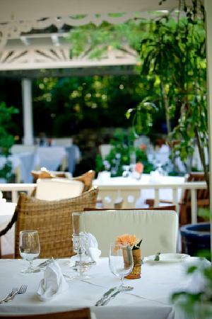 Grace's Cottage: Table setting