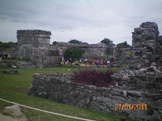 ซากเมืองมายันแห่งทูลุม: vista de las ruinas