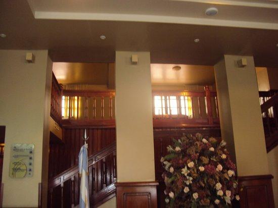 10.-Jujuy-Hotel Termas de Reyes: acceso a pisos superiores