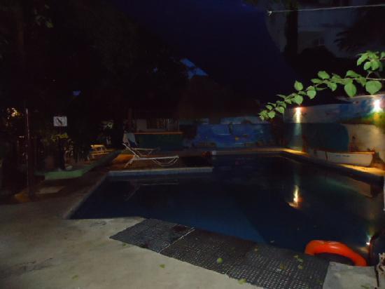 Hotel Casa Tucan: piscina