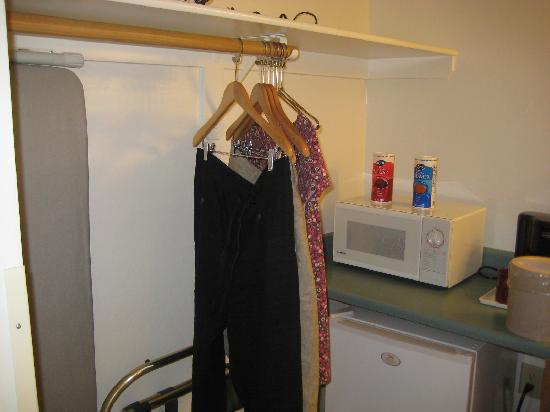 Pines Motel : No Wardrobe