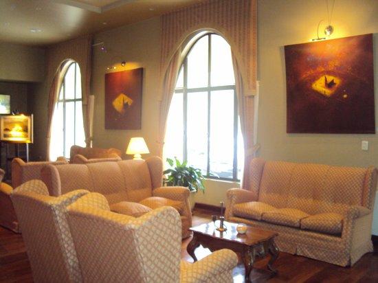 7.-Jujuy-Hotel Termas de Reyes:  lobby
