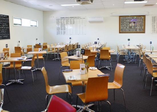 Peninsula Club: Inside the Venue