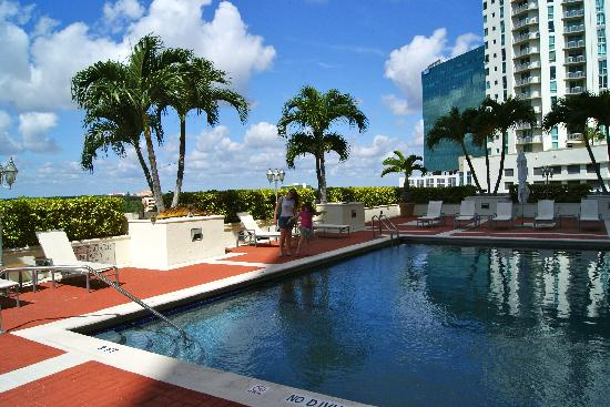 Miami Marriott Dadeland: Uma Bela piscina.