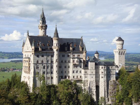 ปราสาทนอยชวานชไตน์: Neuschwanstein Castle