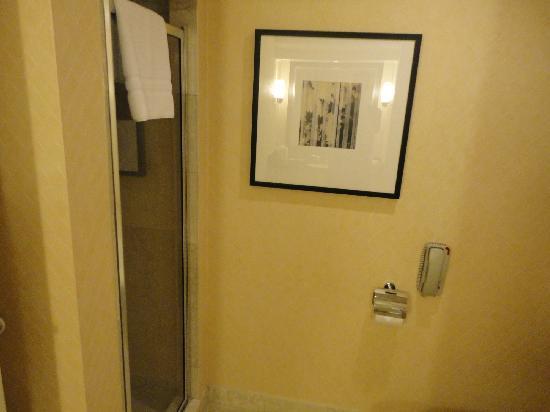 InterContinental Toronto Yorkville: salle de bains