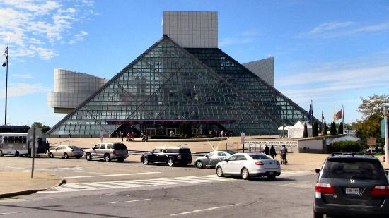 Rock & Roll Hall of Fame: View while driving by