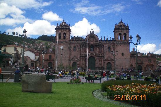 จตุรัสอามาส: vista de la plaza