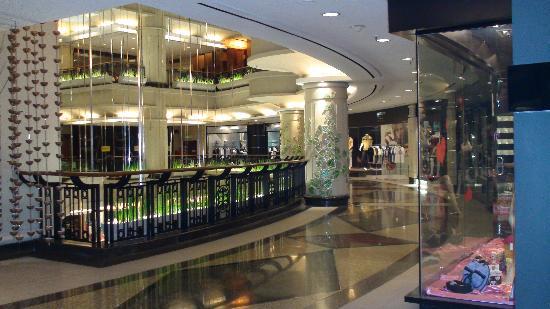 โรงแรมเจดับบลิว แมริออท กัวลาลัมเปอร์: 3rd floor - pamper floor - shopping mall