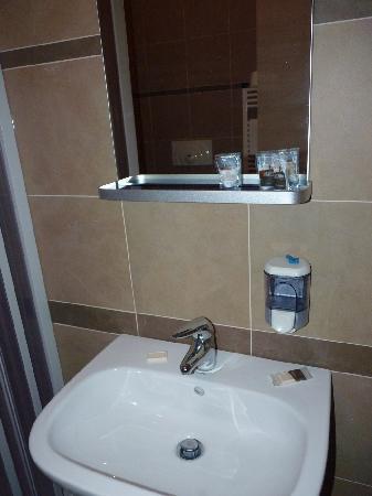 FastmHotel: Bathroom