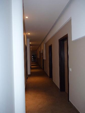 FastmHotel: Hallway