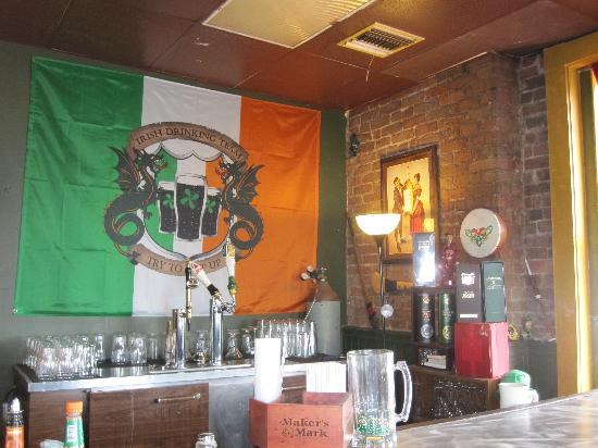 Hot Springs Mountain: Irish pub on top floor