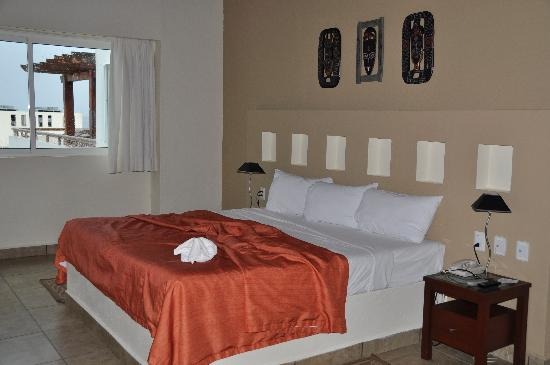 โรงแรมอิกซ์เชลบีช: bed