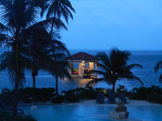 Coco Beach Resort: Pier House