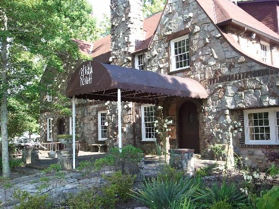 High Point Restaurant: Front Entrance
