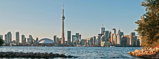 โตรอนโต, แคนาดา: Toronto skyline from the island