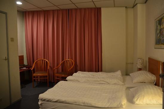 Rho Hotel: cosy bedroom