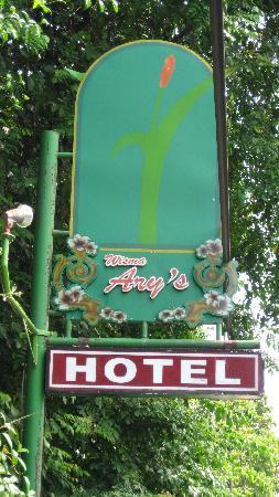 โรงแรมวิสมา อารีส์: Uithangbord van het hotel