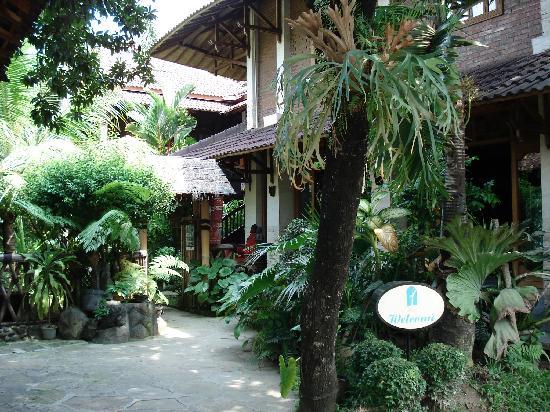 โรงแรมวิสมา อารีส์: Ingang hotel