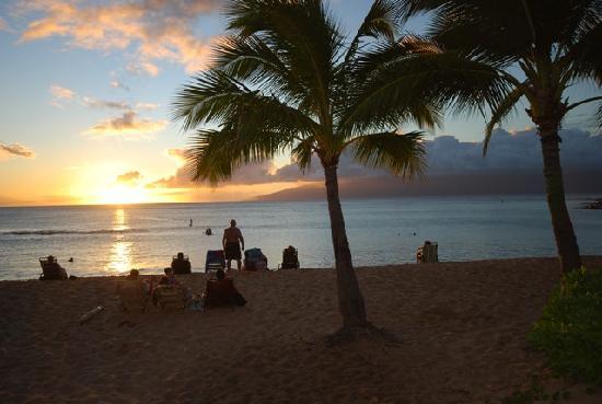 The Mauian Hotel on Napili Beach: Sunset1