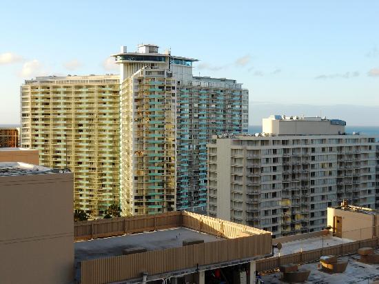 Marina Tower Waikiki: Morning View 2