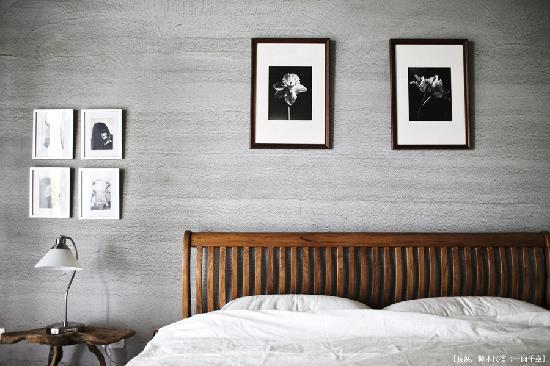Wumum B&B: 加大柚木床&主人木雕裝置成簡樸的雙人房