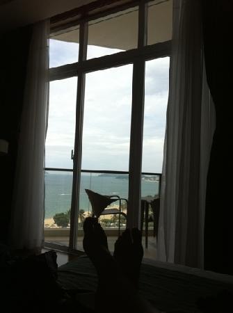 โรงแรมโนโวเทลญาจาง: the view from the bed in a standard room
