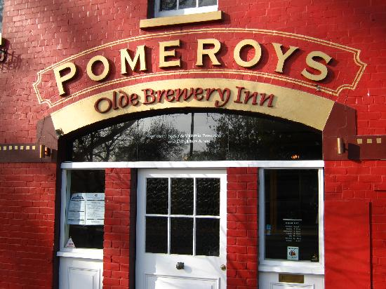 Pomeroy's on Kilmore: Pub entrance