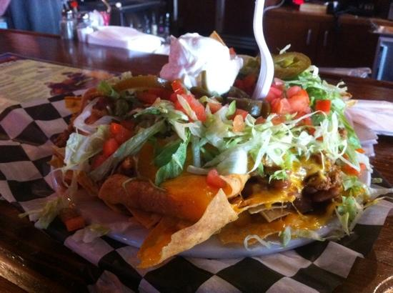 Huey's Downtown: Excellent beef nacho...