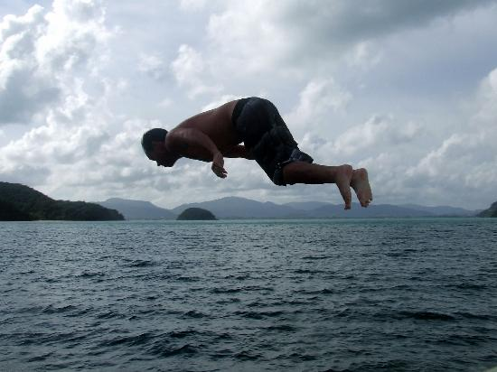 ริเวอร์ โรเวอส์ เดย์ทัวร์: Great fun diving off the boat