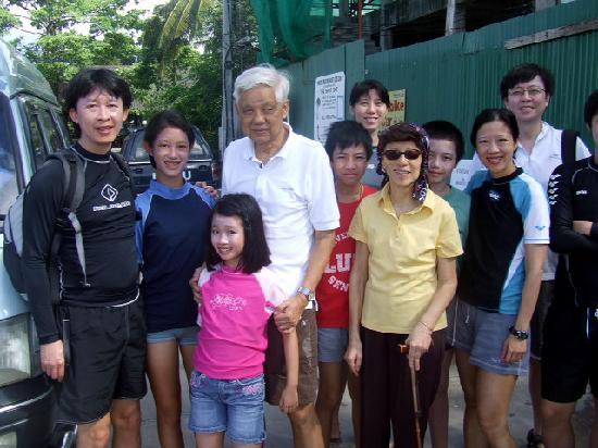 ริเวอร์ โรเวอส์ เดย์ทัวร์: Family from Singapore