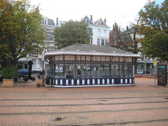 City and harbourwalk: tram cafe