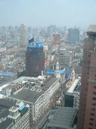 โรงแรมเลอ รอยัล เมอริเดียน เซี่ยงไฮ้: view from room