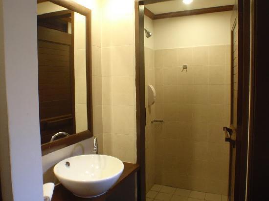 Laguna Redang Island Resort: Toilet Area