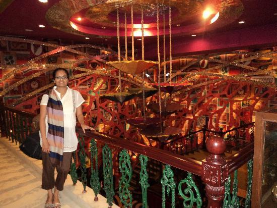คุร์เคาน์, อินเดีย: Inside KOD