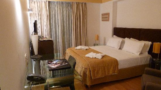 Eridanus Hotel: Room