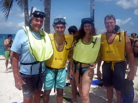 Cozumel Tours: Getting ready to go snorkeling