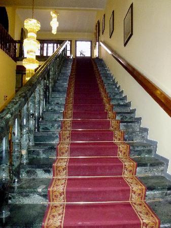 โรงแรมอิมพีโร: Staircase