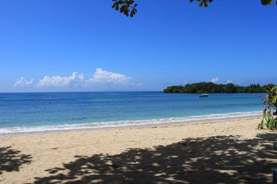 เดอะลากูน่า อะลักชัวรี่คอลเลคชั่น รีสอร์ท & สปา: the beach