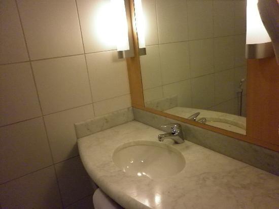 Ibis Larco Miraflores : Bathroom 2