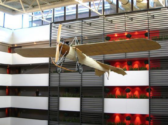 Sofitel Budapest Chain Bridge: Hotel interior (lobby area)