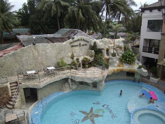โรงแรมลา คาร์เมลา เดอ โบราเคย์: Overlooking the pool from the terrace