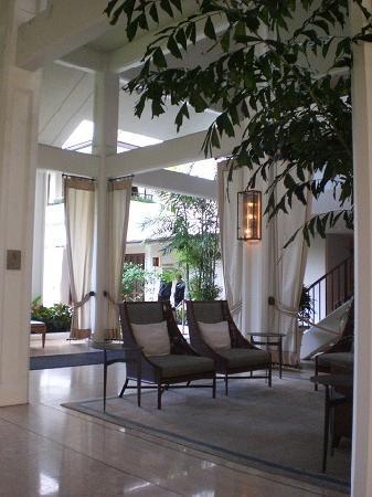 Halekulani Hotel: ロビー